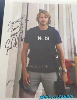 Eric Christian Olsen fan photo signing autographs for fans rare promo hot