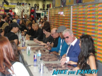 Sons Of Anarchy Cast Signing At SDCC! Ron Perlman! Charlie Hunnam! Katey Sagal! Kim Coates! Theor Rossi! Maggie Siff! Autographs! And More! SAMCRO Awesomeness!