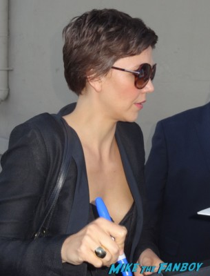 Maggie Gyllenhaal signing autographs for fans hot sexy crazy heart star rare