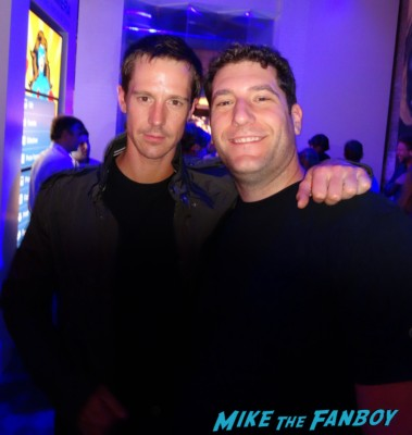 Jason Dohring fan photo signing autographs for fans veronica mars party samsung store SDCC
