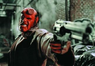 Hellboy promo photo ron pearlman pointing his gun rare
