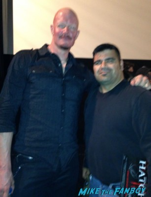 Derek mears signing autographs for fans fan photo hatchet 3 movie premiere rare promo jason