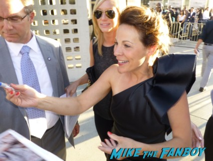 Lili Taylor signing autographs at the conjuring premiere lili taylor signing autographs vera farmi 033
