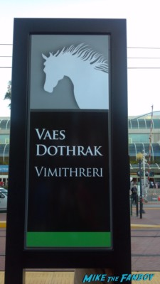 Vaes Dothrak sign at comic con simon schuster book booth  at San Diego comic con sdcc 2013 the crowd waiting to get in line cosplay