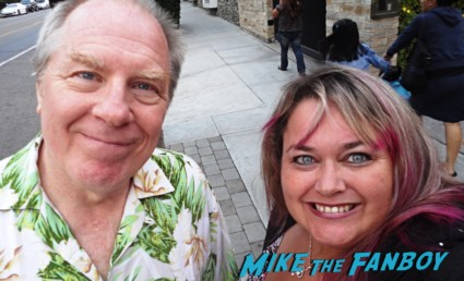 Michael McKean signing autographs for fans laverne and shirley fan photo rare earth girls are easy