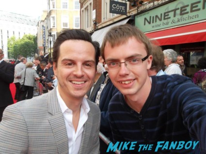 Andrew Scott fan photo signing autographs for fans charlie and the chocolate factory theater premiere london red carpet (2)