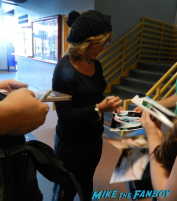 tracey gold signing autographs 2013 hollywood curling rare kristy swanson signing autographs for fans buffy the vampire sla 005