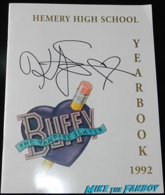 kristy swanson signed autograph buffy the vampire slayer Hemery high yearbook press kit rare kristy swanson signing autographs for fans buffy the vampire sla 069