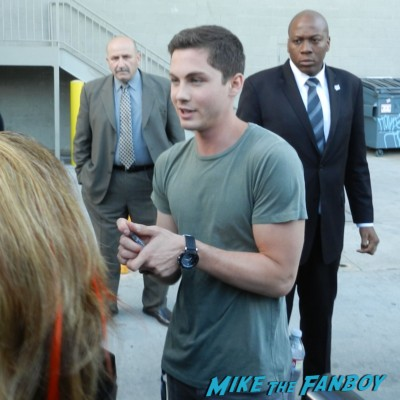 logan lerman signing autographs for fans jimmy kimmel live 016