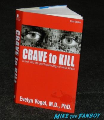 dexter crave to kill prop book meeting michael c hall dexter podcast wrap up 001