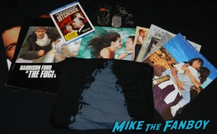 random blu ray and t-shirt picked up at the hollywood show screening cards old school shot glass rare promo elvis wood a carved sculpture of elvis on a piece of wood meeting william ragsdale krity mcnichol signing autographs holly 017