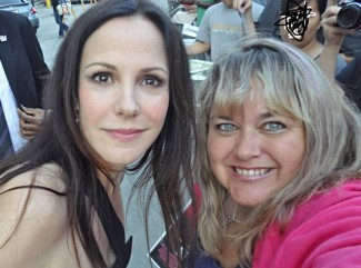 Mary Louise Parker signing autographs for fans rare promo hot sexy weeds star