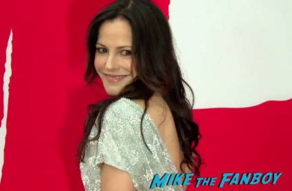 Mary Louise Parker on the red carpet at the red 2 movie premiere red carpet mary louise parker bruce willis (23)