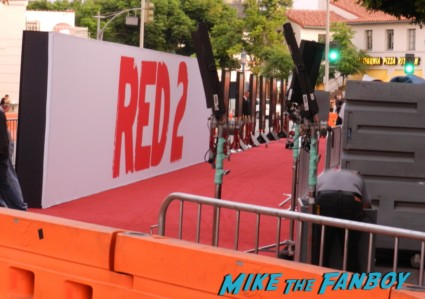 red 2 movie premiere red carpet mary louise parker autograph 041