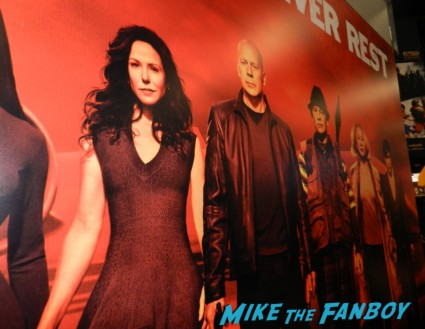 mary louise parker poster red 2 san diego comic con 2013 san diego comic con 2013 signing autographs day 1 095