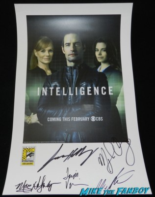 Intelligence autograph signing with josh holloway Marg Helgenberger san diego comic con 2013 signing autographs day 1 018