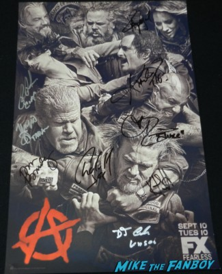 sons of anarchy cast signed autograph poster rare charlie hunnam kim coates theo rossi san diego comic con 2013 signing autographs day 1 230