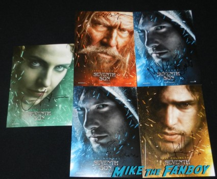seventh son cast signed postcards jeff bridges ben barnes kit harrington seventh son autograph signing with jeff bridges kit harrington ben barnes legendary booth san diego comic con 2013 signing autographs day 1 136