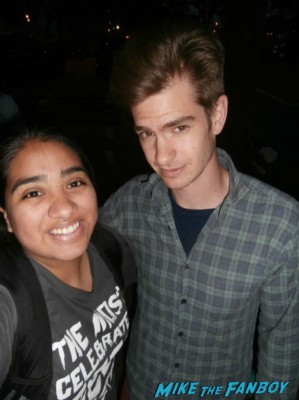 andrew garfield fan photo signing autographs for fans on set of spider man 2 in new york rare