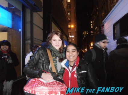 Shailene Woodley fan photo signing autographs for fans on set of spider man 2 in new york rare