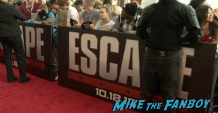 the escape plan premiere sdcc sylvester stallone signing autographs arnold