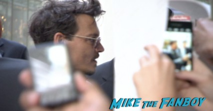 johnny depp signing autographs at the lone ranger germany movie premiere 2