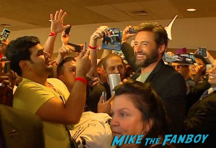 the wolverine fan screening hugh jackman signing autographs hot sexy q and a beard (16)
