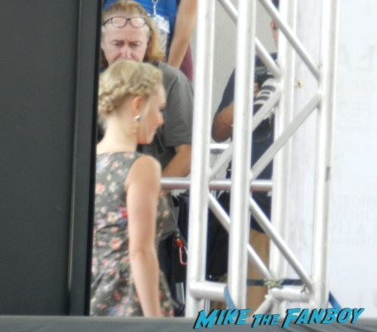 AnnaSophia Robb on the red carpet at the way way back premiere toni collette signing autographs rare 021