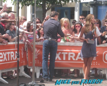 Tony Goldwyn extra a the grove signing autographs for fans rare promo ghost star