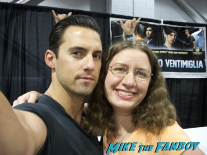 Milo Ventimiglia fan photo signing autographs wizard world chicago signed autograph photo heroes rare promo gilmore girls rocky star