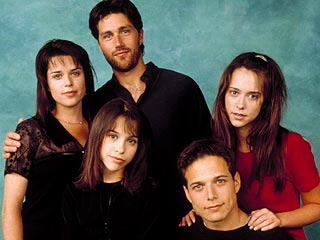 party of five cast photo rare matthew fox scott wolf neve campbell rare Entertainment Weekly Party of five magazine cover rare promo Party of five DVD cover rare promo scott wolf baily