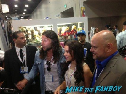 Black Sails cast doing interviews at sdcc Jessica Parker Kennedy signing autographs for fans black sails booth sdcc 2013