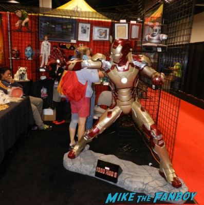 Iron Man life size maquette D23 disney convention cosplay props and costumes once upon a tim 012