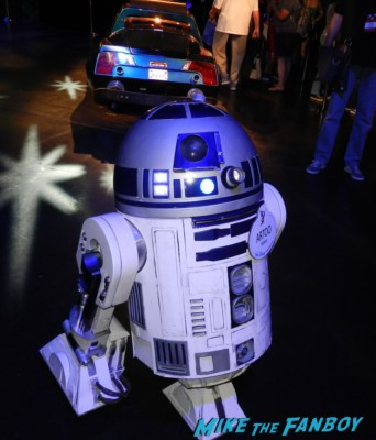 R2D2 at D23 disney convention cosplay props and costumes once upon a tim 015