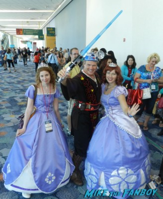 star wars disney princesses Cosplay costume rare D23 disney convention cosplay props and costumes once upon a tim 007