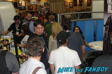 The crowd at san diego comic con waiting for the x-files autograph signing X-files limited edition comic con comic book