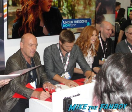 Under the dome cast autograph signing san diego comic con sdcc 2013 mike vogel hot sexy rare