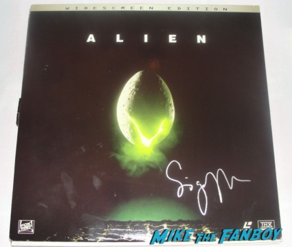 sigourney weaver signed autograph alien promo lenticular rare hot promo Sigourney Weaver At James Cameron's Walk of Fame Star Ceremony