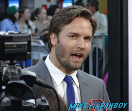 Scott porter hot sexy on the red carpet to do list movie premiere