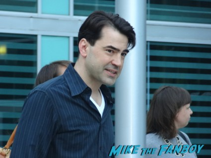 Ron Livingston fan photo signing autographs for fans rare promo drinking buddies movie premiere