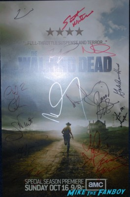 The walking dead cast signing norman reedus andrew lincoln The Walking Dead Booth at SDCC 2013 san diego comic con rare