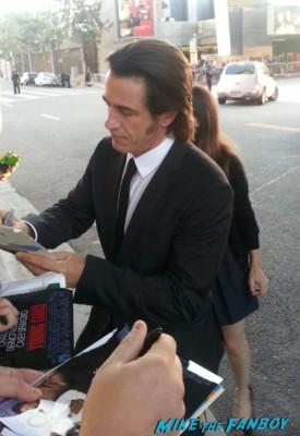 Dermot Mulroney signing autographs for fans jobs movie premiere la live rare hot