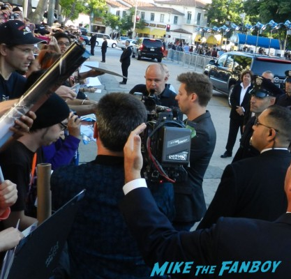 Neill Blomkamp signing autographs for fans at the Elysium Movie Premiere! With Jodie Foster! Matt Damon! Sharlto Copley! Neill Blomkamp! Alice Braga! Diego Luna! Autographs! And More!