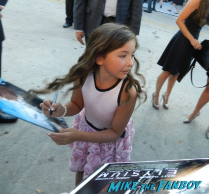 Emma Tremblay signing autographs for fans at the Elysium Movie Premiere! With Jodie Foster! Matt Damon! Sharlto Copley! Neill Blomkamp! Alice Braga! Diego Luna! Autographs! And More!