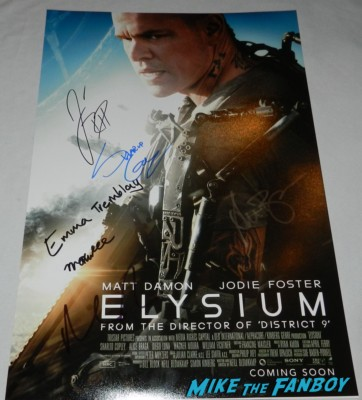 Elysium signed autograph movie poster rare matt damon Matt Damon signing autographs for fans at the Elysium Movie Premiere! With Jodie Foster! Matt Damon! Sharlto Copley! Neill Blomkamp! Alice Braga! Diego Luna! Autographs! And More! movie premiere jodie foster signing autographs matt damo 087