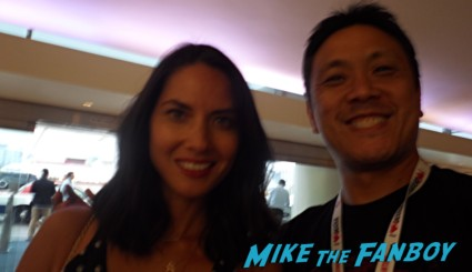 olivia munn signing autographs fan photo rare magic mike star