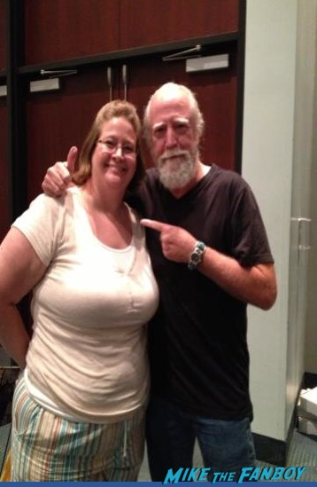 Scott Wilson fan photo signing autographs for fans the walking dead star rare promo
