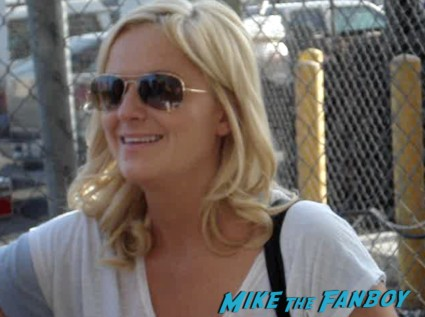 Amy Poehler Signing Autographs for fans jimmy kimmel live