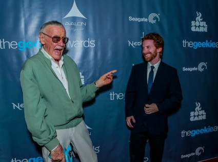 The Geekie Awards - Photos by BNatural Photography - Stan Lee & Seth Green Playing Around on the Red Carpet 03