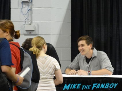 james and oliver phelps signing autographs at Wizard World Comic Con Chicago 2013 rare promo spartacus